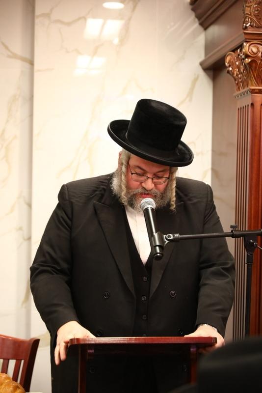 הרב מנחם מענדל וויינבערגער, יושב ראש המסיבה, , , ezra friedlander